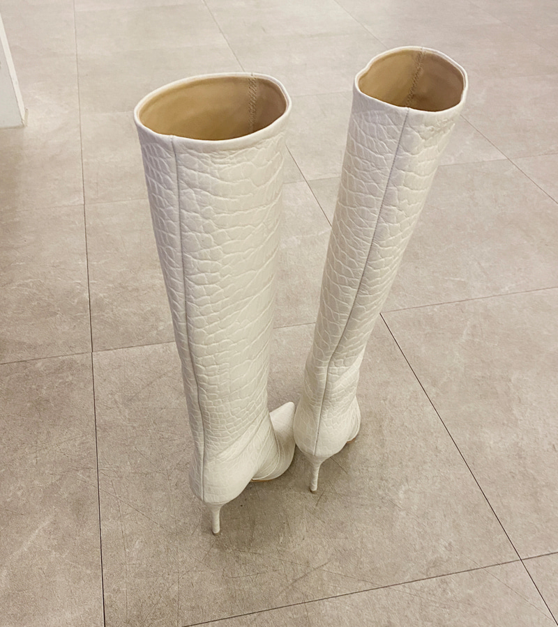 Vibe Boots (ivory)
